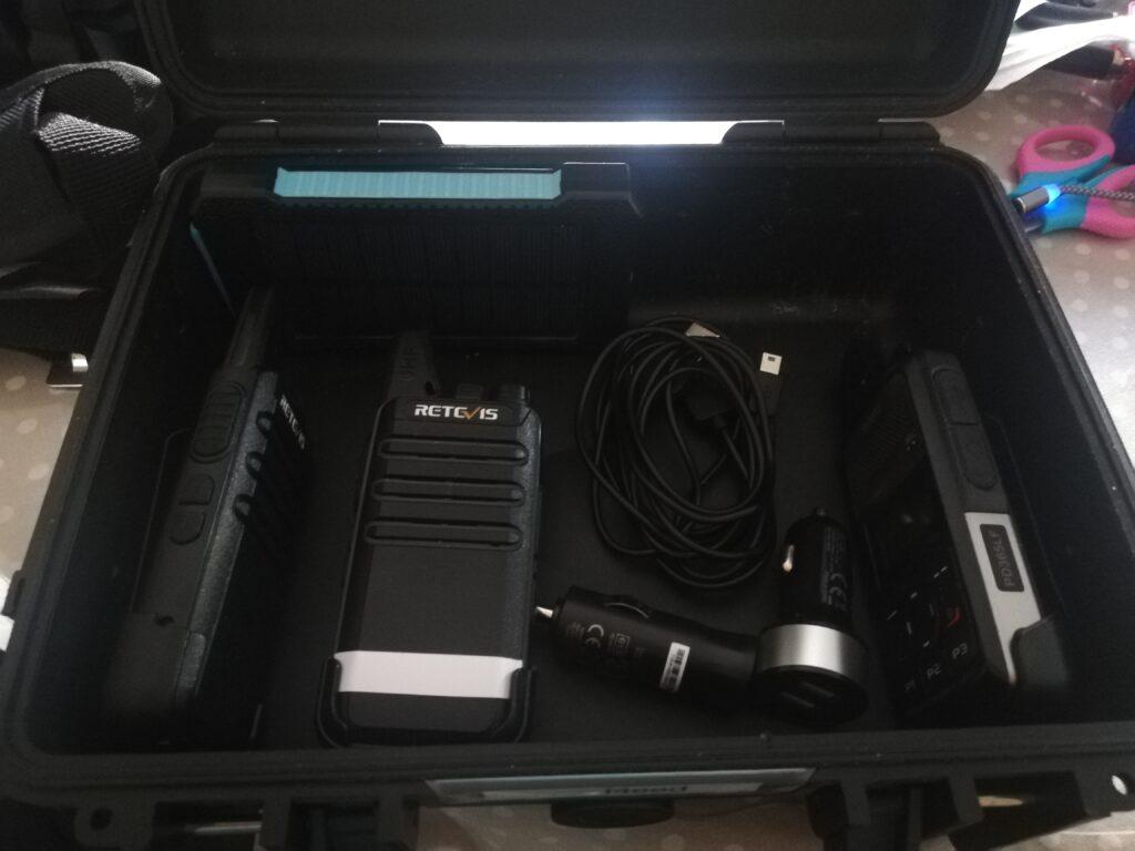 Une partie des éléments composant le démonstrateur radio - PMR
